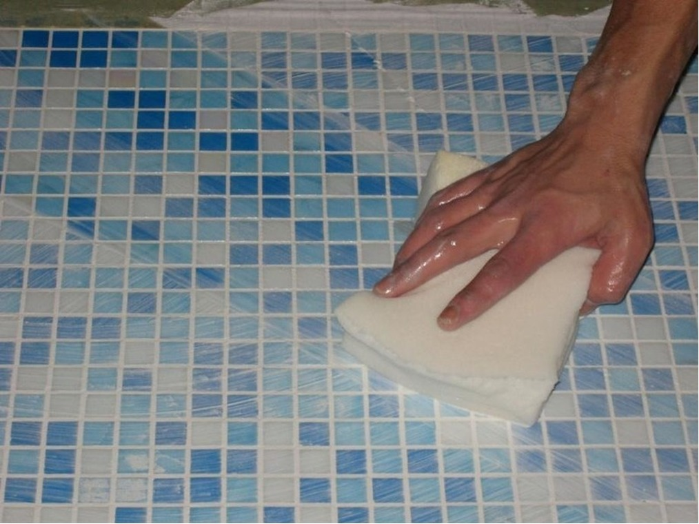 Как клеить мозаику на сетке