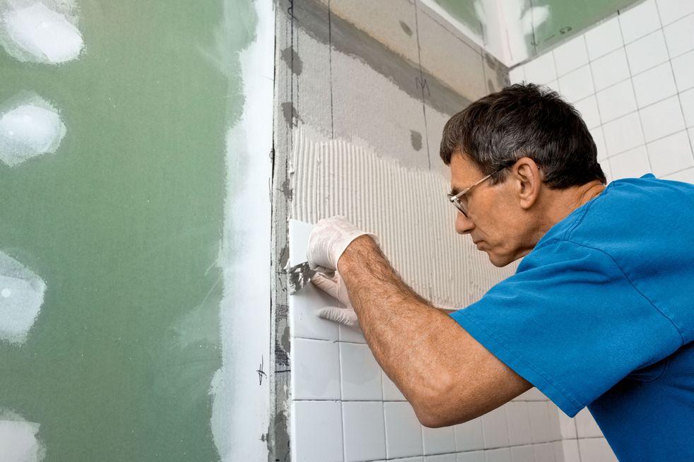 Подготовка стен под плитку в ванной своими руками 38