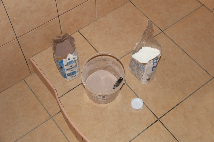 Затирка для кафельной плитки