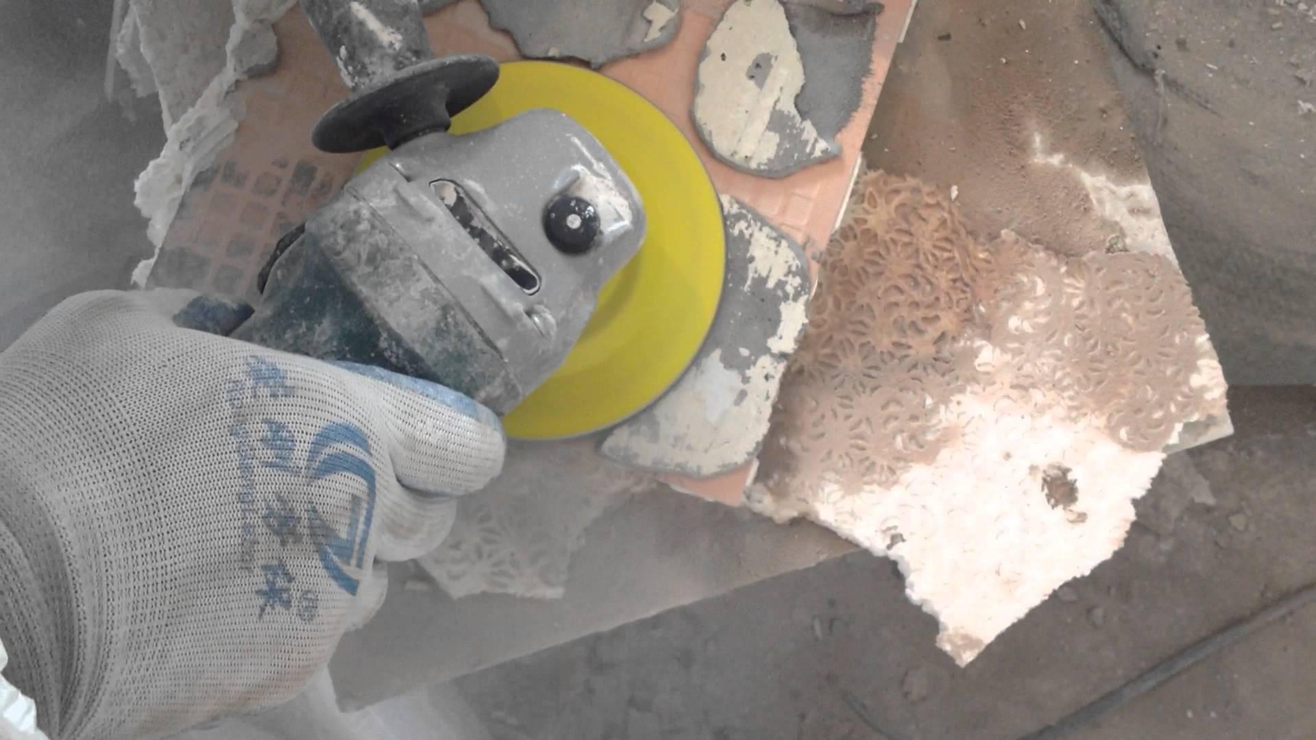 Чем удалить плиточный клей с плитки